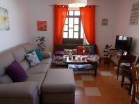Guest House - 1 Double + 1 Single Bedroom to rent in the Algarve.