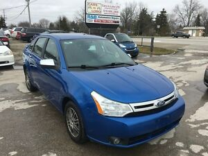 2011 Ford Focus SE  ** 5 SPEED MANUAL ** RARE ***