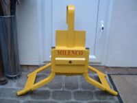 MILENCO CARAVAN / TRAILER WHEEL CLAMP