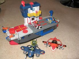 imaginext fisher price large aircraft carrier and planes plus accessories great condition