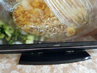 42 Inch Hitachi Black LCD TV