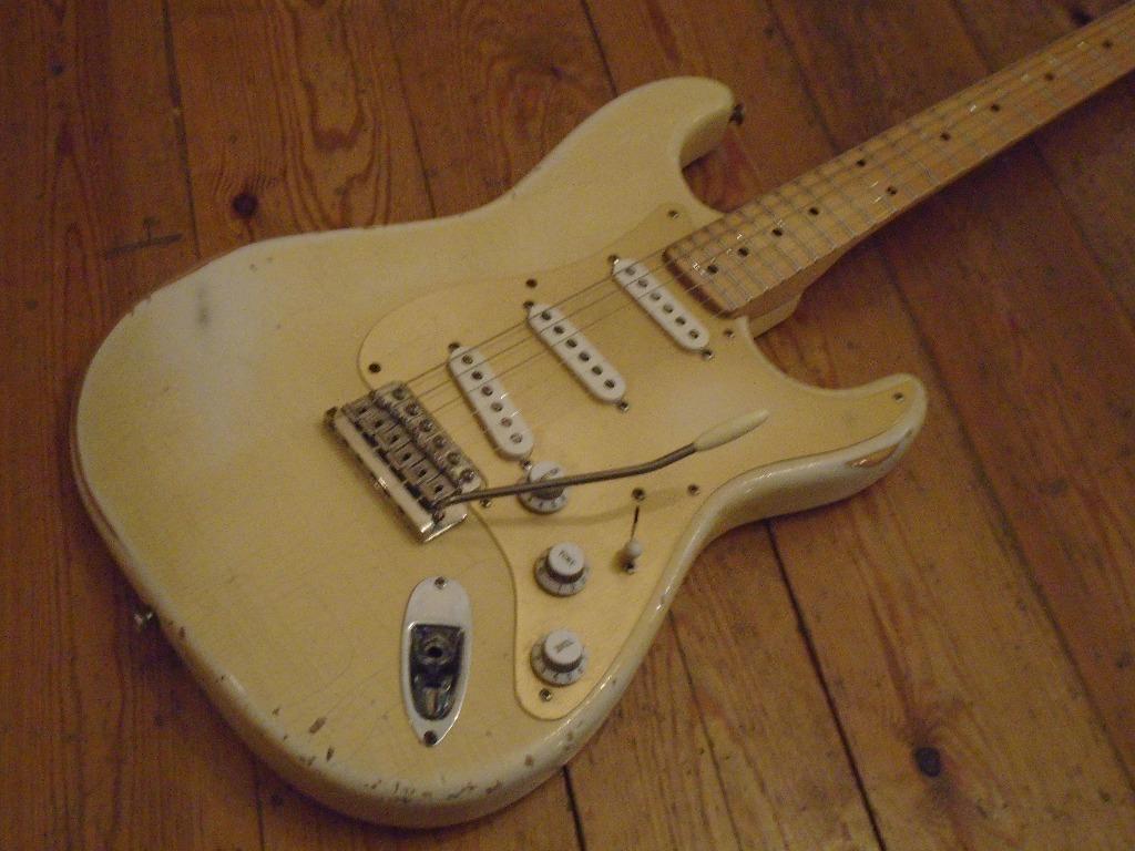 David Gilmour Fender Pickups Best 2018 Wiring Diagram The Unique Guitar Black Strat