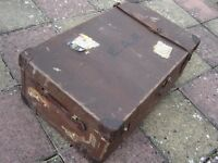 VINTAGE HARRODS TRUNK STEAMER BROWN SUITCASE PROP STORAGE COFFEE TABLE