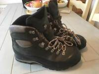 Scarpa walking boots size 9 43