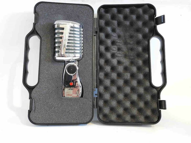 NEW AND UNUSED IN THE ORIGINAL FITTED CASE TEN-TEC REGAL 707 DYNAMIC MICROPHONE