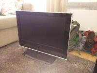 26 inch older flat screen tv