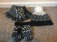 Hat, gloves and scarf