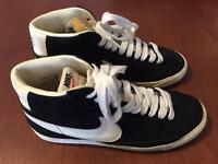 Nike Trainers - size 6