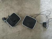 iPhone 4 charger and speaker