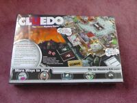 CLUEDO BOARD GAME - BRAND NEW