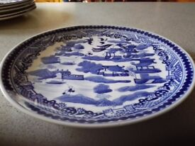 Old blue willow plate its a wall plate in very good condition
