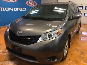 2017 Toyota Sienna 7 Passenger 7 PASS/ LOADED/ THE KING OF MI...