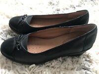 Ladies shoes size 6,5