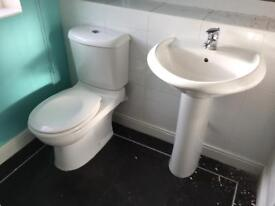 Toilet / basin / shower
