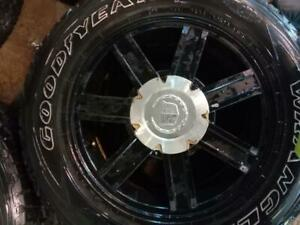 CADILLAC ESCALEDE MAGS WITH SUMMER TYRES 265/65/18