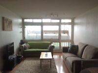 Awesome Double Room w Ensuite in Great 2 Bedroom Flat - Right Next to Swiss Cottage Station