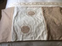 Kingsize Duvet Cover with 2 Pillowcases and cream kingsize fitted sheet