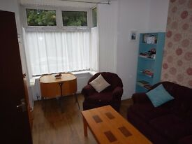 Large 5 Double Bedroom Student House