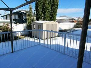 LARGE 3 BED+ DEN, 2.5 BATH WITH DBL ATTACHED GARAGE IN N.W. Edmonton Edmonton Area image 4