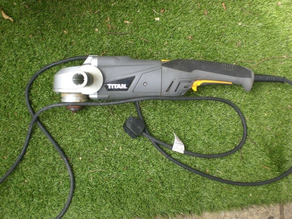 Titan TTB283GRD 9 inch angle grinder, 240v, hardly used | in Southampton,  Hampshire | Gumtree