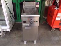 SINGLE TANK CHIPS FRYER FASTFOOD KITCHEN COMMERCIAL TAKEAWAY CAFE RESTAURANT CATERING BAR PUB SHOP