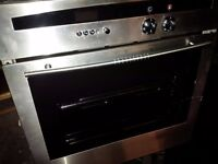 NEFF single electric under counter oven in very good condition can deliver