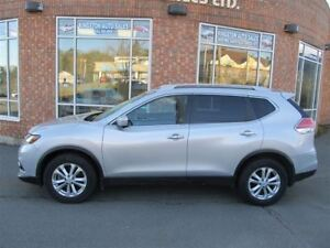 2015 Nissan Rogue SV AWD - LOADED - 7 PASSENGER
