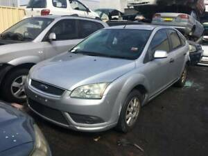 257 - Ford Focus 2005 silver Wrecking