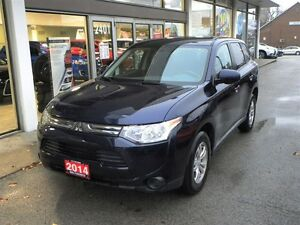 2014 Mitsubishi Outlander ES AWD ONE OWNER LOW KMS