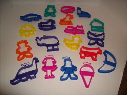 EKCO Cookie Cutter Lot of 19 Never Used - Moon Cow House Cat Dog Pig Elephant ++