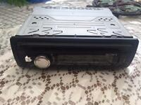 Sony USB Aux CD Player radio Stereo Audio Carbon effect front Sony CDX-G2000UI