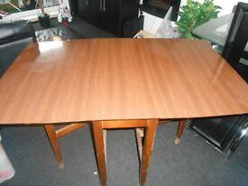 Foldable wooden dining table, 80x150 (unfolded)