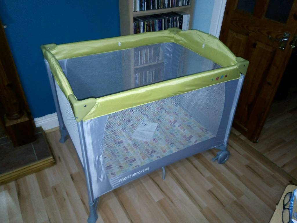 Immaculate Mothercare classic travel cot, as new