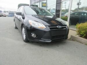 2012 Ford Focus 5-SPEED SEDAN