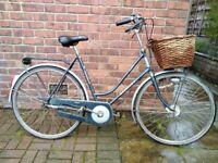 Gazelle Impala dutch bike step through with wicker basket