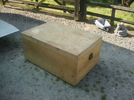 VERY LARGE SOLID PINE CHEST / TRUNK / COFFEE TABLE. IDEAL AS IS OR AS A PAINTED PROJECT. DELIVERY