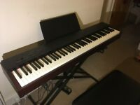 Roland FP 20, Electric Piano 88 keys, 2 years old ,great condition