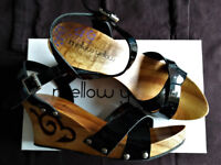Mellow Yellow black wedge shoes, size UK5/EU38, wood and patent leather, very good used condition