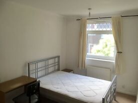 Edit Double and Single Room in New Cross Zone 2 cent