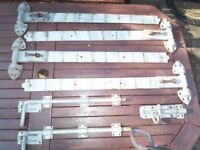 Heavy Duty gate or stable hinges. 4 x 30inch hinges, 2 ground bolts and 1 crossbolt