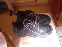 MENS SIZE 11 STEEL TOE CAPPED SAFETY TRAINERS.