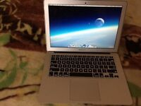 MacBook Air Early 2014 13 inch Plus Case and Wireless Mouse