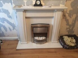 Marble fire place an dimplex fire