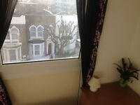 MILE END, MILE END, ZONE 2, AMAZING DOUBLE ROOM NEAR VICTORIA PARK FOR ONE OR TWO PERSONS