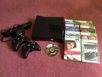 Xbox 360 Slim black 120GB mint condition +games, kinect and 2 controllers