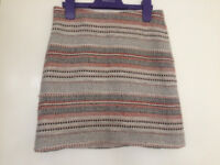 Skirt, patterned, excellent condition, size small