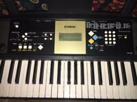 Yamaha YPT 220 keyboard with stand, headphones and carry case