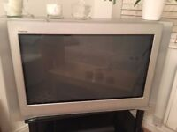 "Sony Trinitron 32"" with remote good working condition"