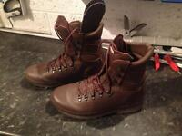 Altberg Defender Boots - brown - size 11 medium - only used a few times