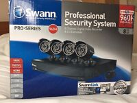 Swann DVR8-3450 8 Channel 960H Digital Video Recorder & 4x PRO-735 Cameras SWDVK-834504F-UK